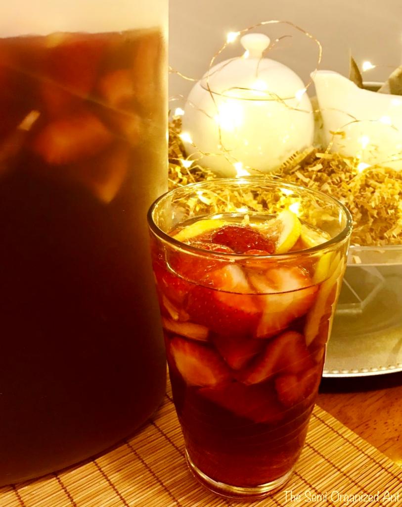 4 Ingredients: Berry-Lemon Iced Tea