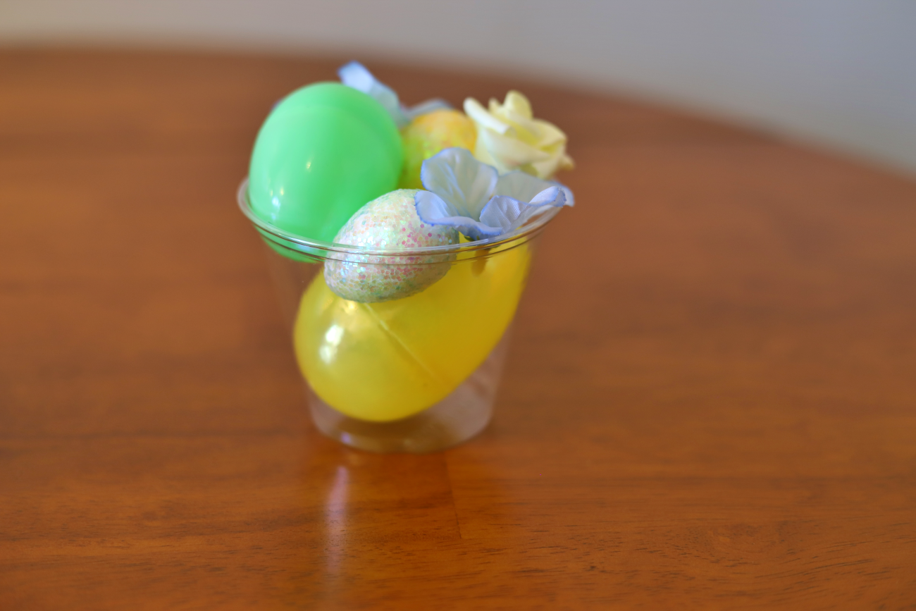Quick and Easy Easter Centerpiece