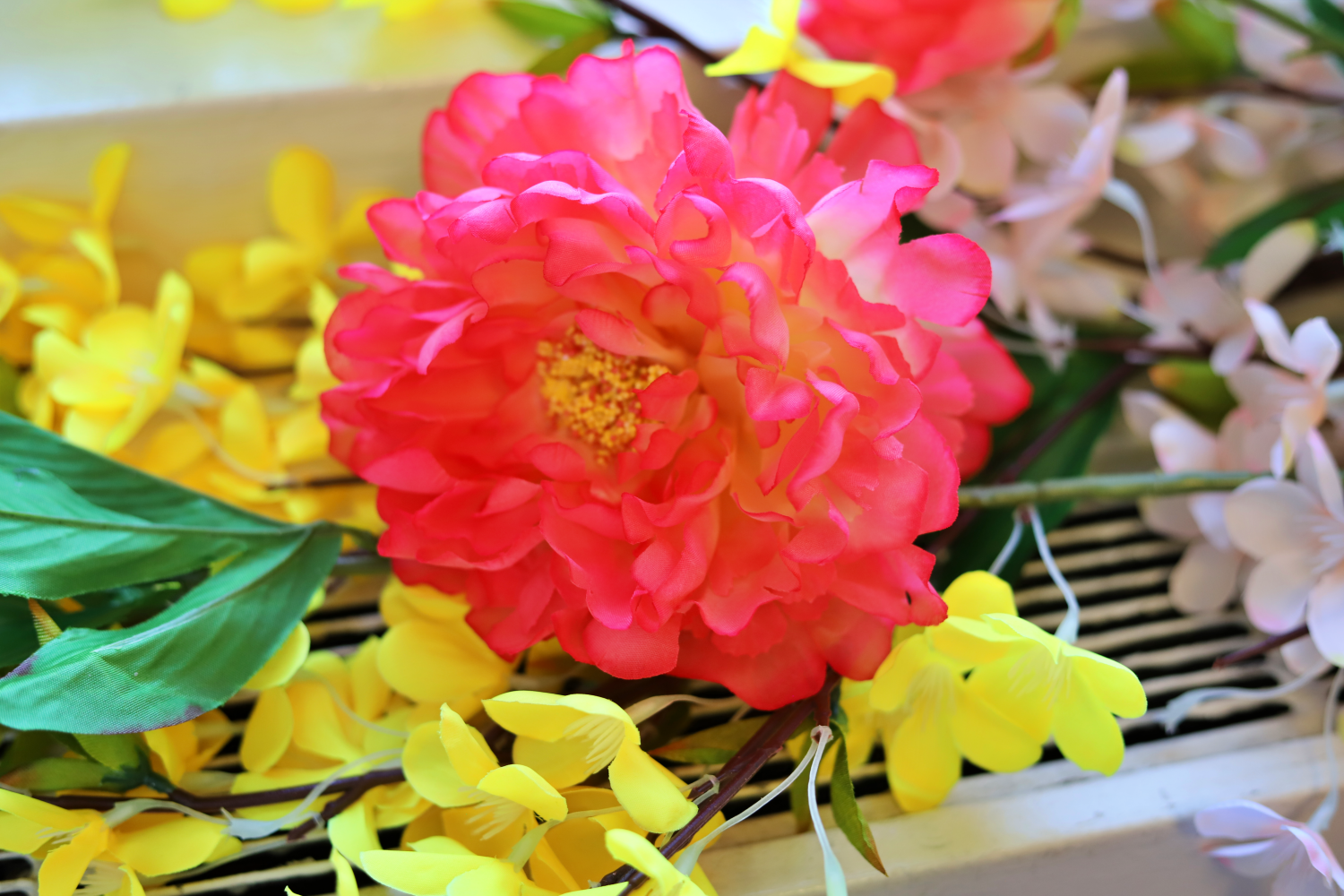 Quick simmer home decor using faux flowers