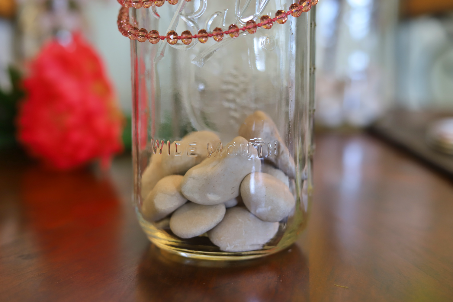 3 Quick and Easy Summer Home Decor Ideas Using Mason Jars and Faux Flowers