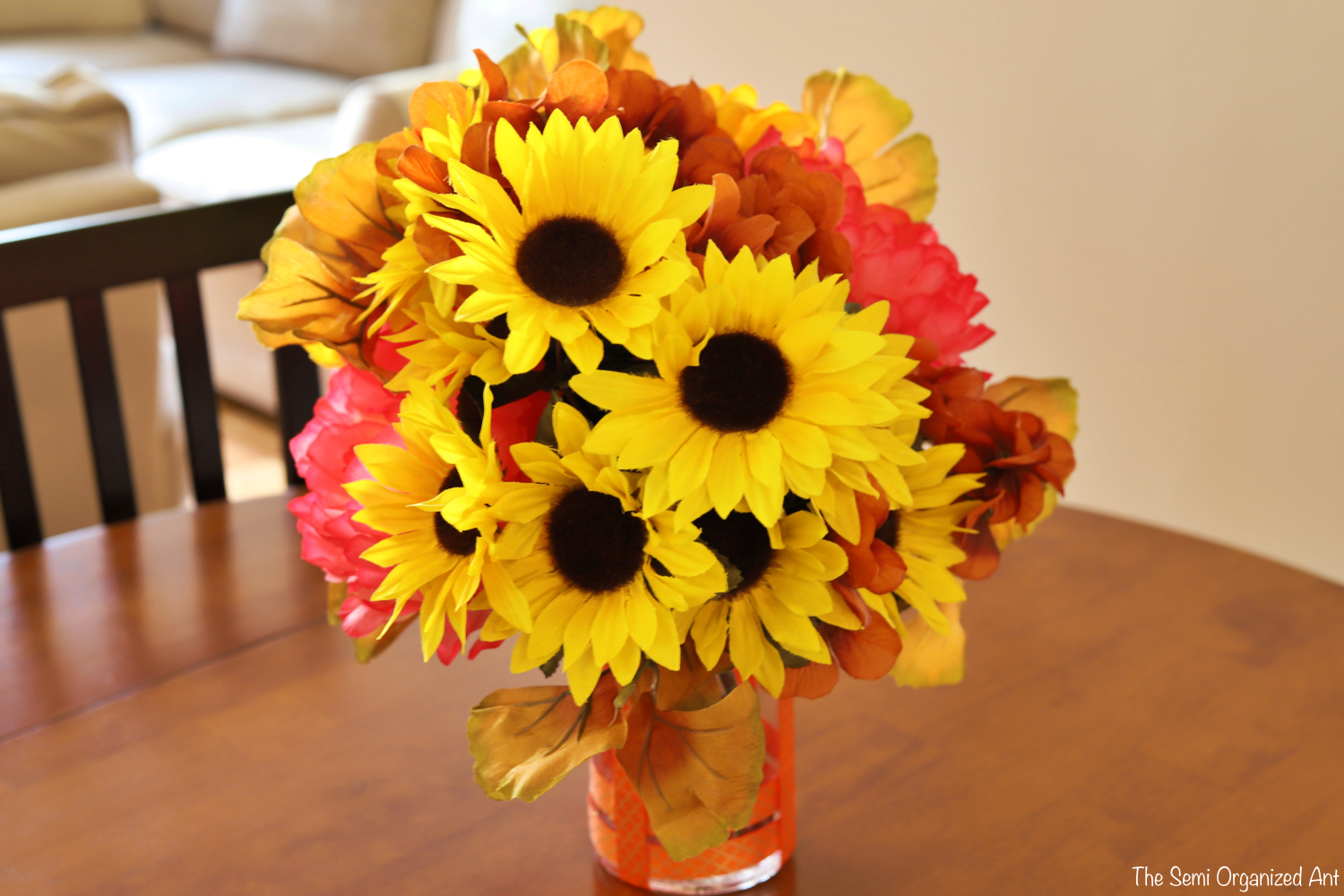 Combining Dollar Tree Flowers with Items I Already Have for the Perfect Fall Centerpiece - The Semi Organized Ant