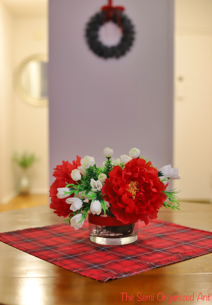 Simple Christmas Table Decor Ideas